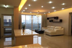 Neutral color 3 bedroom apartment for rent at Riverpark Residence– Phu My Hung center