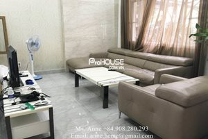 Low price villa for rent in Phu My Hung, fully furnished, modern design, nice garden