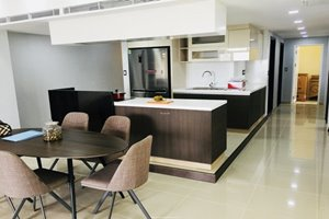 4 bedroom apartment for rent in Riverside Residence with amazing view and large space