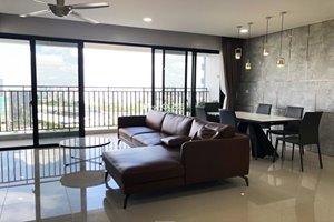 Big size 3 bedroom apartment for rent in tower 6 of Riviera Point
