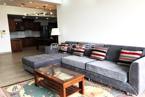 Large size apartment for rent in Garden Plaza 1 with new furniture and wooden floor
