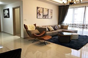 Luxury 3 bedroom apartment for rent in Riverpark Premier with swimming pool view