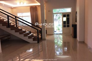 Affordable villa in My Thai 1, Phu My Hung, full modern nice furniture, nice garden