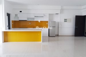 Cheap apartment for rent in Riverpark Premier with high floor to river view