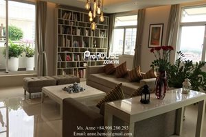 The most luxury penthouse for renting in Phu My Hung, modern, classy design in a natural garden