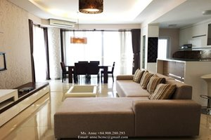 Luxury apartment for rent in Block A of Riverpark Residence with full furniture