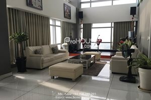 Big penthouse for rent near Crescent Mall, fully furnish, very beautiful view, 3 stories, 4 bedrooms