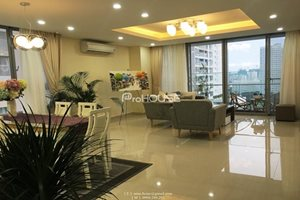Corner apartment for rent in Green Valley, Phu My Hung, large balcony