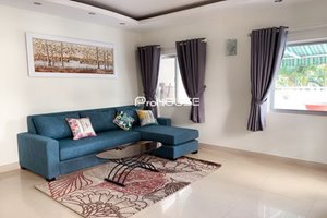Modern big size apartment for rent in Hung Vuong 2 with big terrace