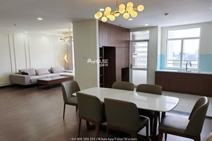 Beautiful 4 bedroom penthouse for rent in District 7 where is close to District 1 (CBD)
