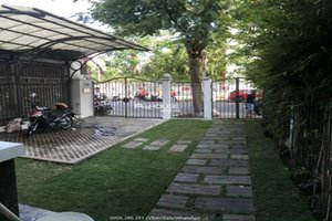 4 bedroom townhouse for rent in Phu My Hung with full nice furniture
