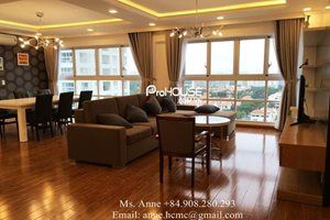 Big size apartment for rent in Happy Valley, modern and good quality of furniture, nice view