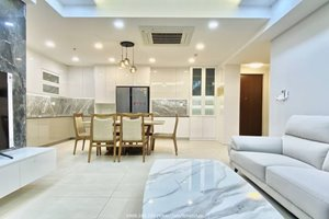Top floor apartment for rent in Urban Hill with luxury furniture and quite view