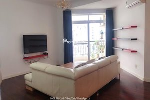 Low rent 3 bedroom apartment for rent with oven, wooden floor and bathtub