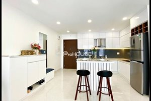 Extremely nice apartment for rent 3 bedrooms, 2 bathrooms, large balcony