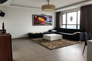 Low rental 4 bedroom apartment for rent in District 7 with beautiful modern furniture