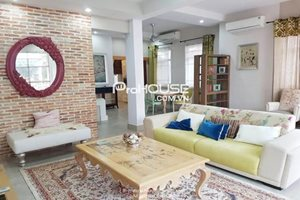Luxury villa for rent near SSIS (Saigon South International School), full furniture, nice decoration