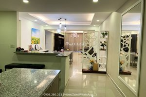 3 bedroom apartment for rent in District 7 with 150 sqm and water front view